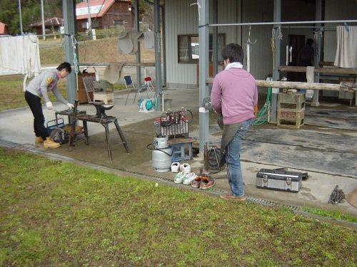 蹄鉄を焼く炉が設置された、準備完了
