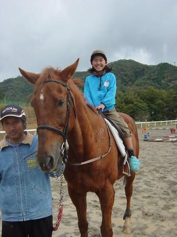何時も来てくれる女の子、とにかく馬が大好きだ